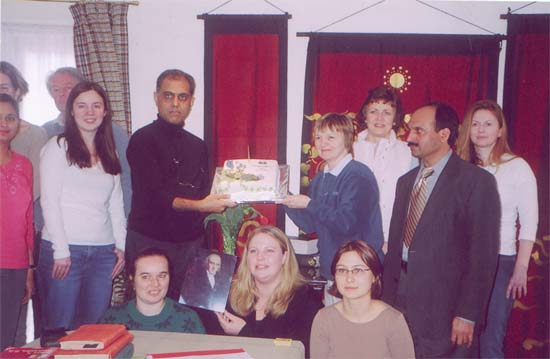 April 10th 2005 Hannemann's 250th Anniversary celebration cake with students on the ACH post graduat