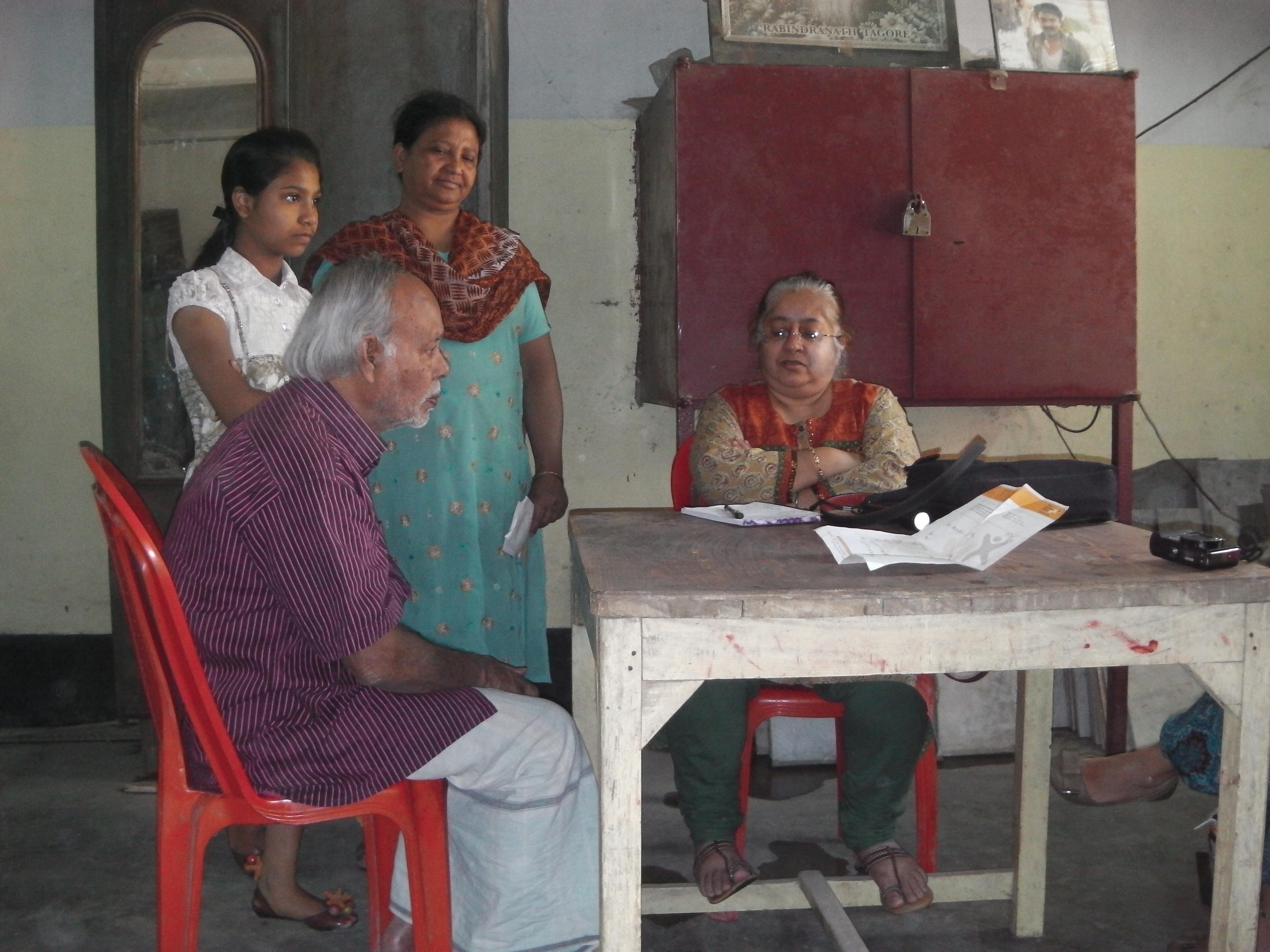 Dr. Medha in slum clinic