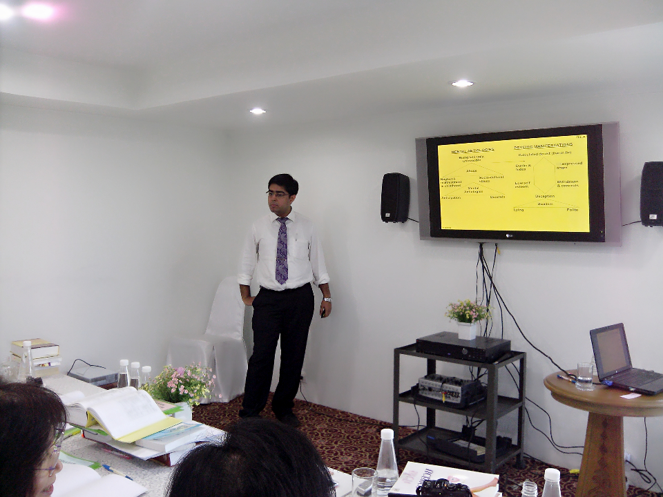Dr.Saptarshi at  the PG program with the Thai Doctors at Bangkok,2013