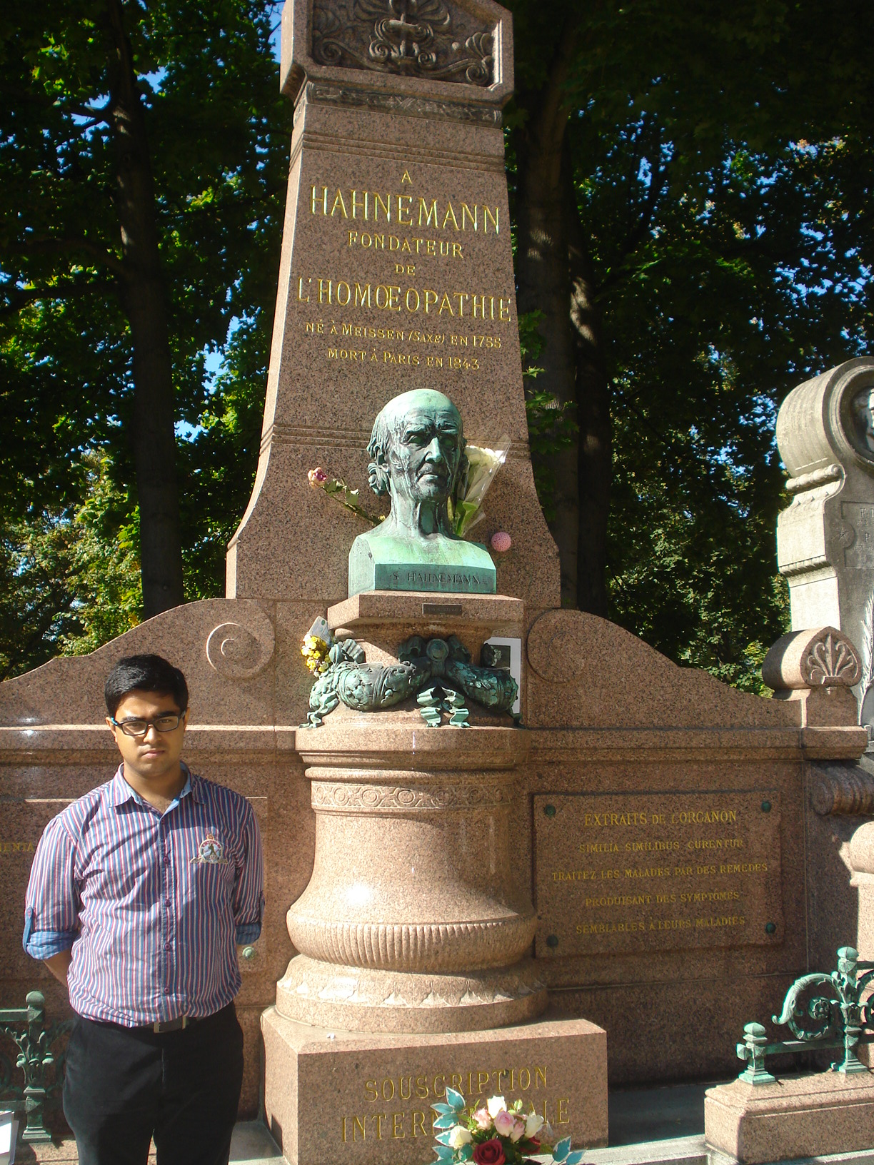 Dr.Saptarshi paying homage to immortal Master Hahnemann at the Mont Martre Cemetery, Paris.
