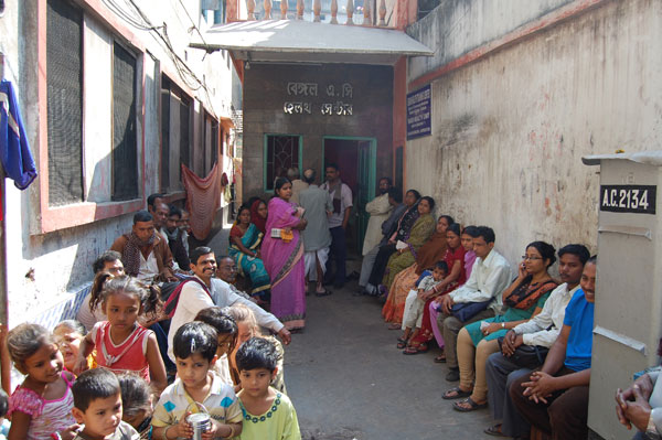 Queue for the Slum Clinic.