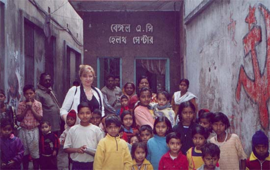 Janet with slum children : Milk & Medicine project , Kolkata